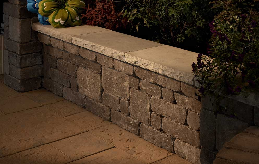 Outdoor Living Kits: Seat Walls - Franklin Stone