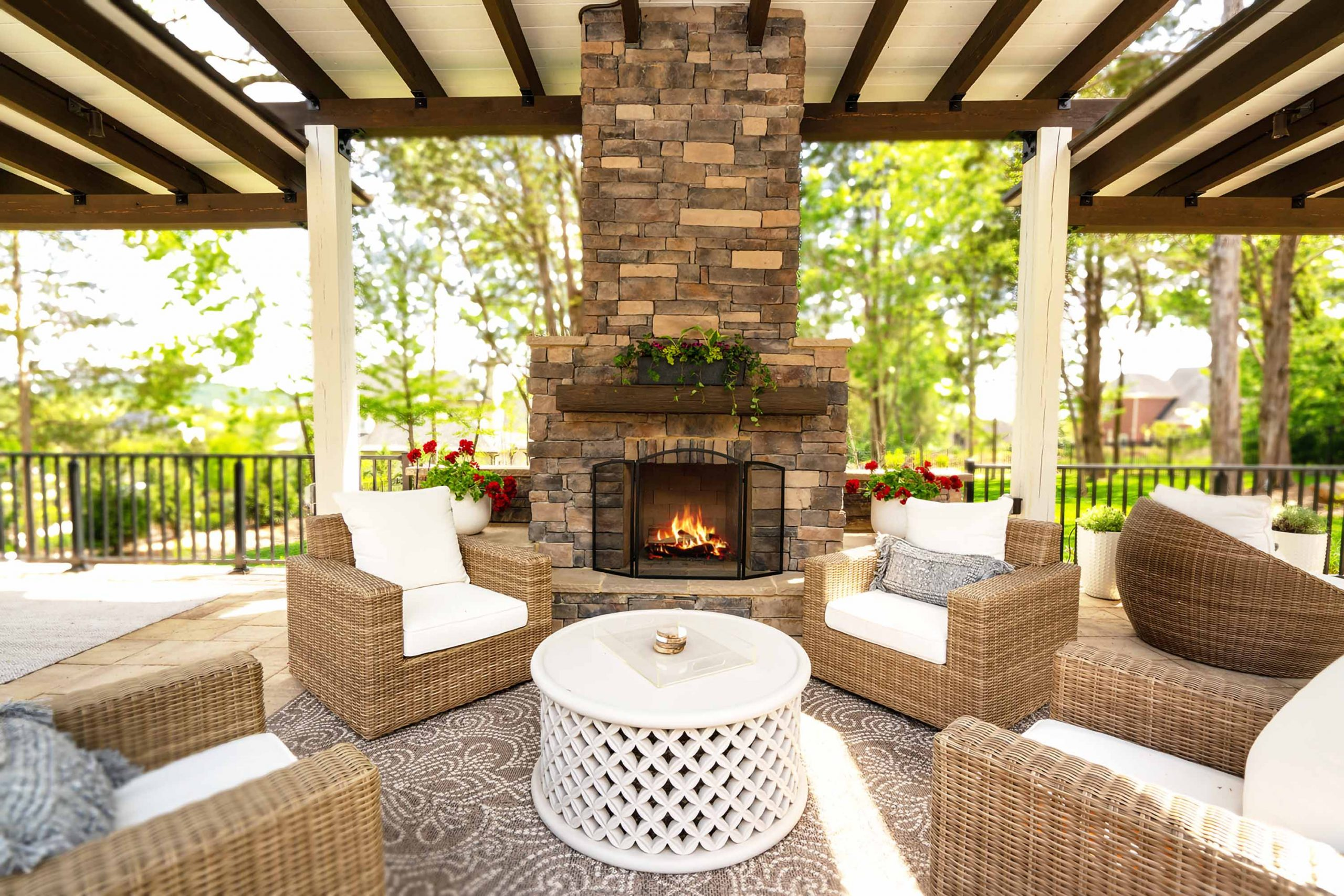 franklin stone hardscape patio pergola fireplace lockhart 1