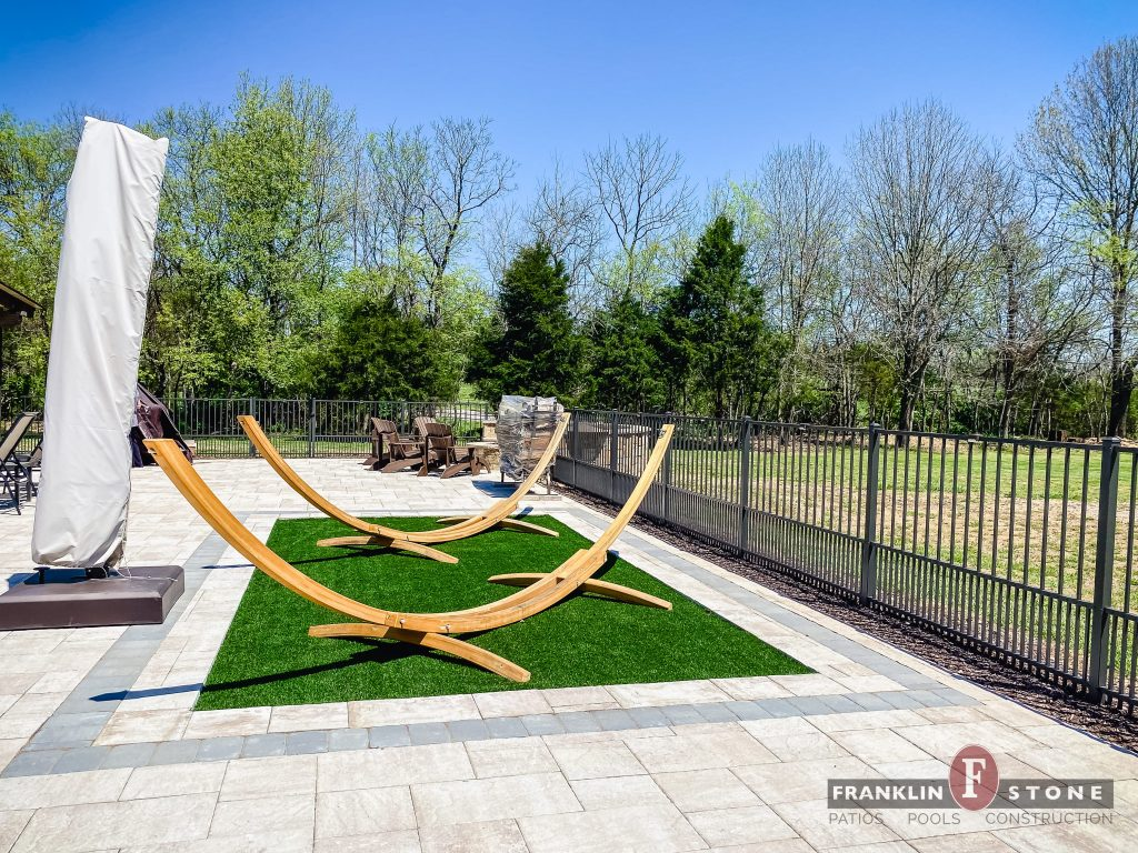 Franklin Stone turf and wooden structure