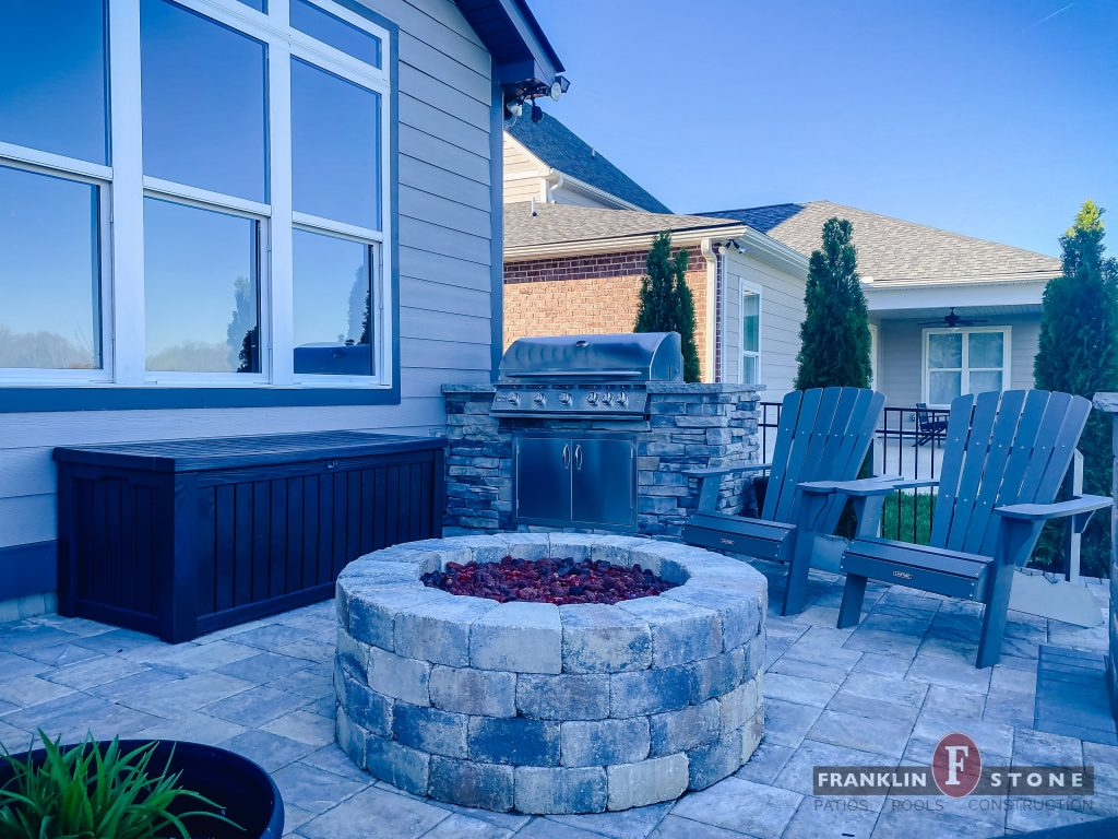 Franklin Stone outdoor stone firepit and grill